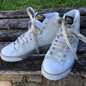 Nike terminator white high top with gold EUC